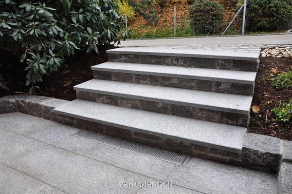 platten und treppe mit gneis galerie varioplant gartenbau gartenpflege st gallen. Black Bedroom Furniture Sets. Home Design Ideas
